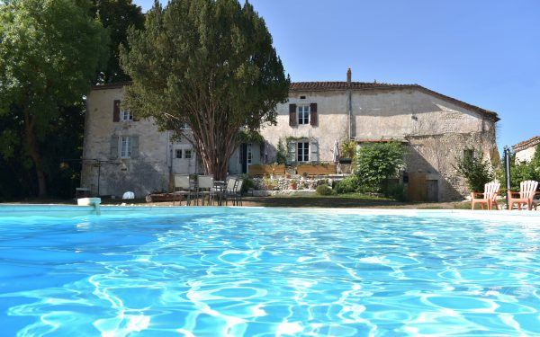 Manoir Beaulieu pool